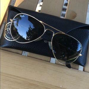 Aviator Ray Ban Sunglasses model RB3025
